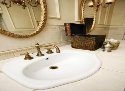 Łazienka w stylu retro – poznaj ciekawe aranżacje